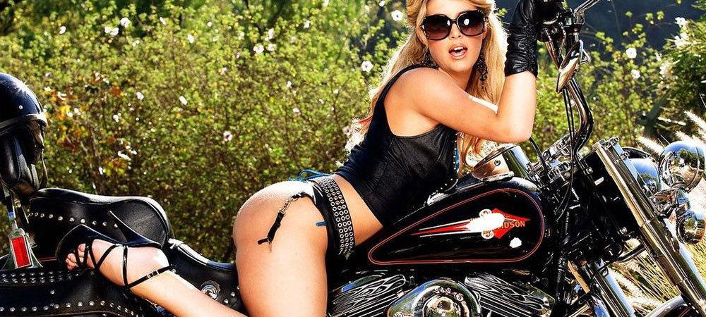nova-moto-femme-et-moto