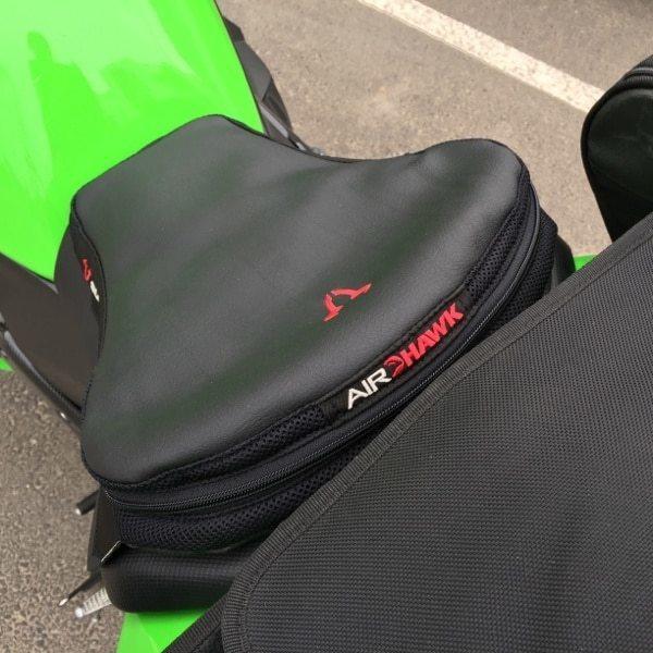 Nova Moto vous répond : coussin de selle confort Airhawk® et SW