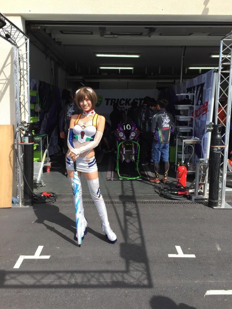 Trickstar Racing Team Castellet 2016 - Avant : ambiance cosplay