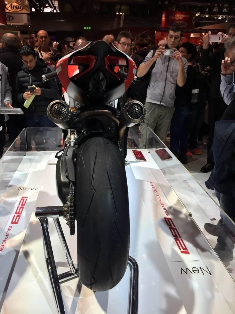 nova-moto-eicma-2016_1299-panigale