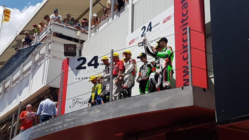 nova-moto-24H barcelone-endurance-kawasaki-ZX10R-antonio-alarcos-podium