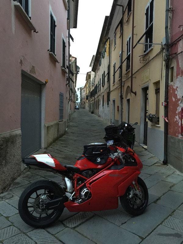 nova-moto-hebergement-moto-ligurie-1