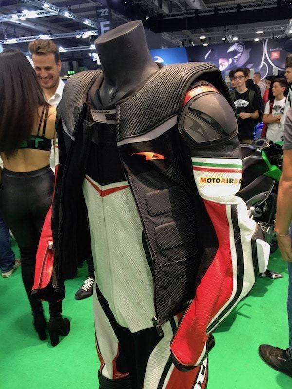 nova-moto-eicma-motoairbag-gimoto-race-2.5-2