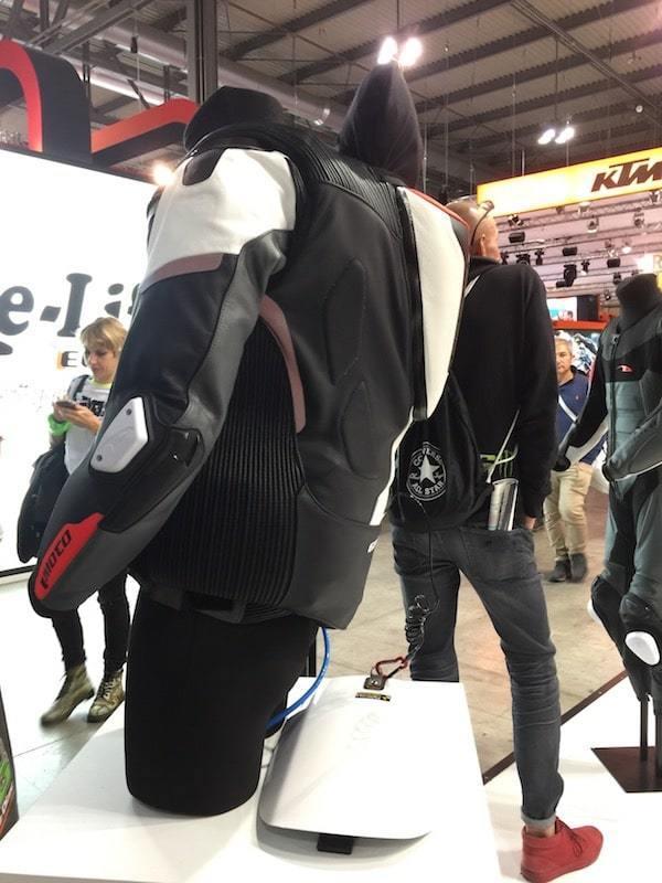 nova-moto-eicma-motoairbag-gimoto-race-2.5-5