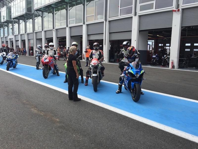 nova-moto-roulage-team-18-magny-cours-2